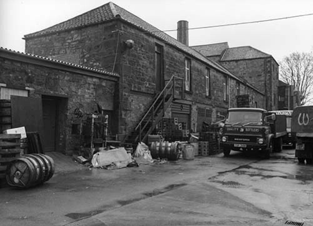 A view of the Argyle Brewery looking north from the courtyard in the 1960s. © John Hume, 2015