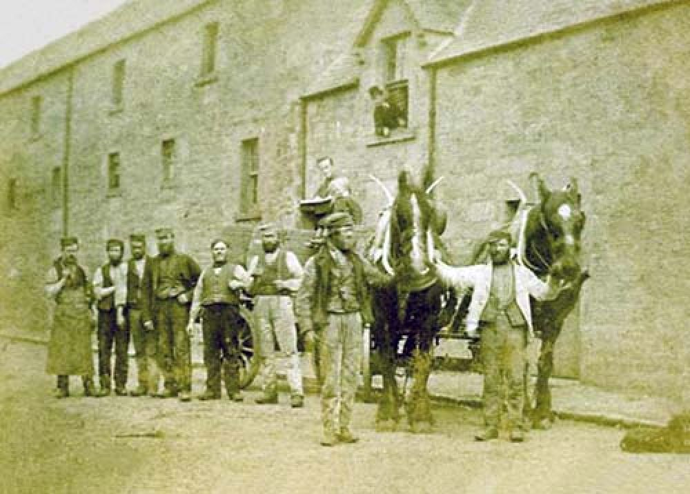 Carters for the Blackford Brewery in the late 19th century © Blackford Historical Society, 2015