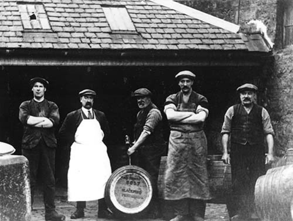 Coopers at the Blackford Brewery in the late 19th/early 20th century © Blackford Historical Society, 2015