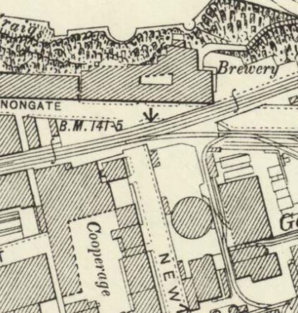 Map of 1896 showing the location of the old Edinburgh Brewery opposite the north end of New Street. © National Library of Scotland, 2017