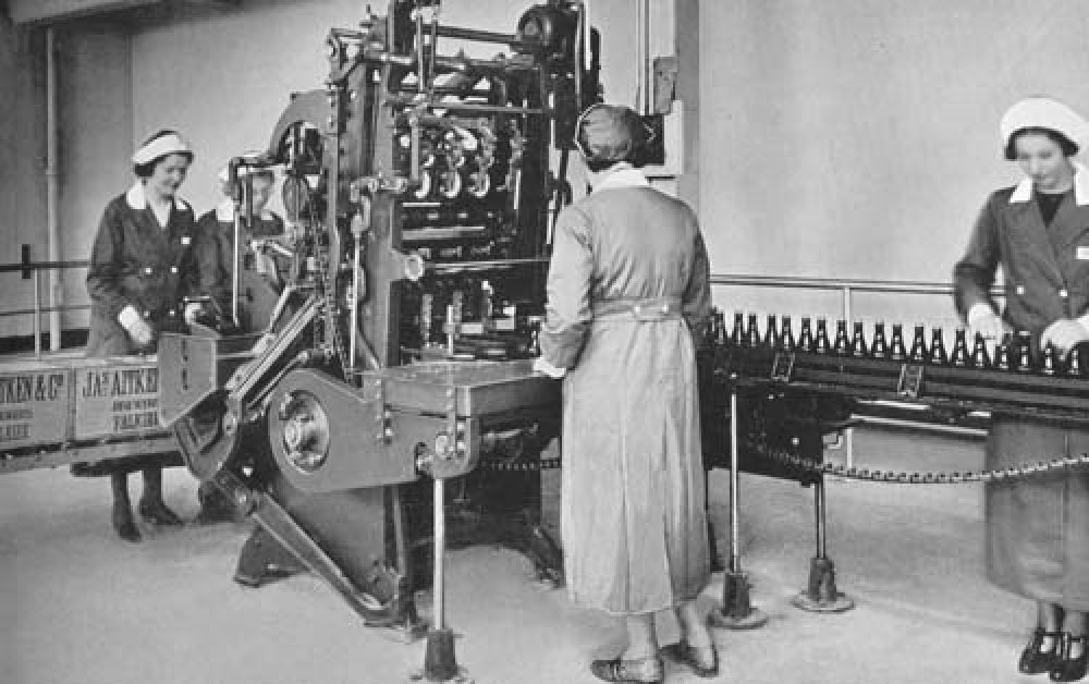 The labelling line in 1940.