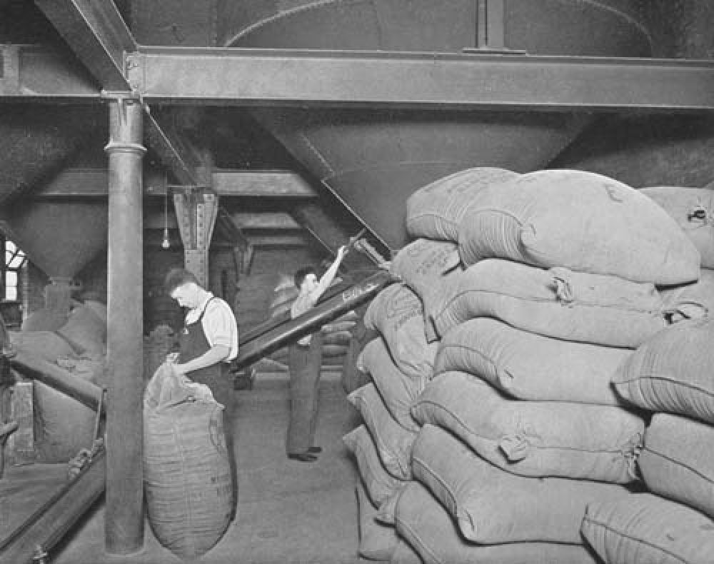 The malt room in 1940.