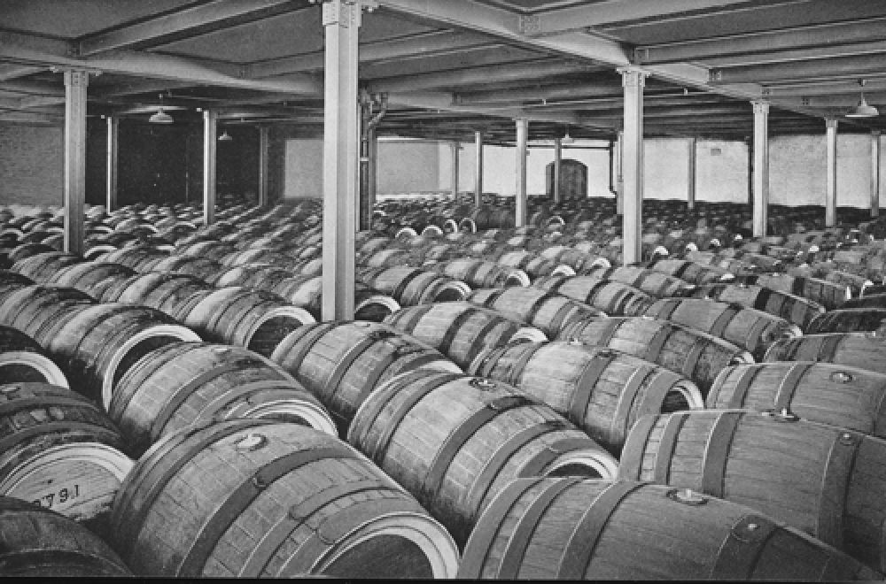 The beer cellar in 1940.