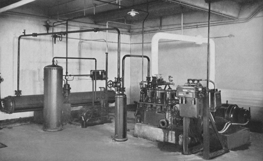 The ammonia compressor in 1940.