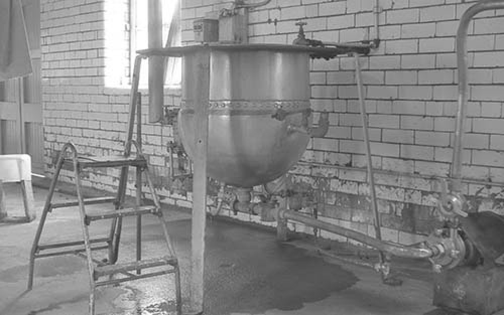 Sugar dissolving plant in the Thistle Brewery in the 1960s. © John Hume, 2015