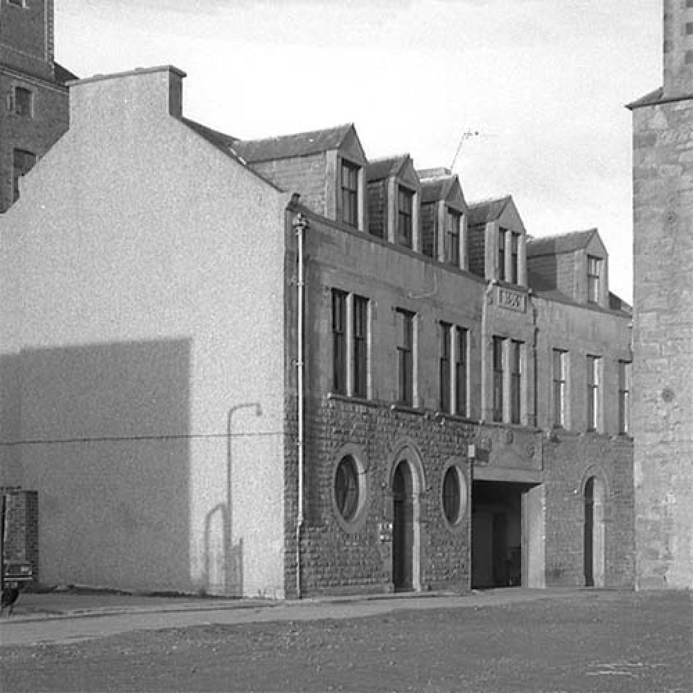 The Thistle Brewery offices in the 1960s. © John Hume, 2015