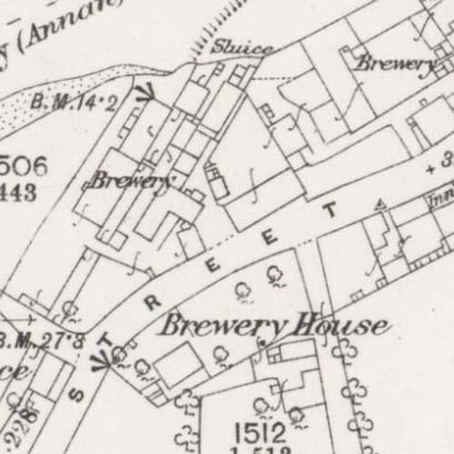 Map of 1857 showing the Annan Brewery (left) and New Brewery (right)